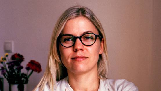 Aleksandra Domanovic - portrait - photo credits Heinrichs, via kunstakademie-muensterde