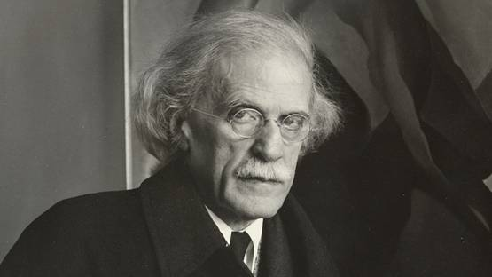 Alfred Stieglitz - Photo of the artist, 1934 - Image via momaorg