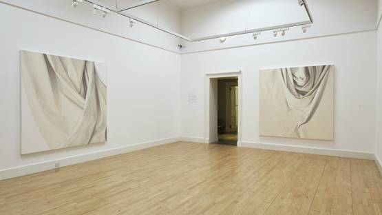 Alison Watt - installation view, photo credits of the Artist and the National Galleries of Scotland