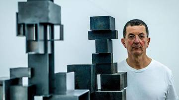 Antony Gormley, photo by Duncan Stingemore
