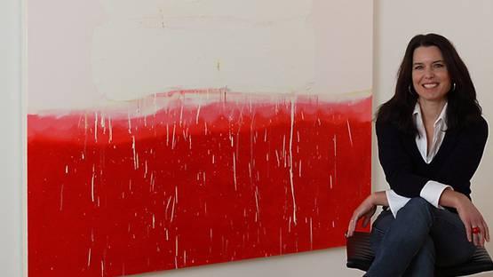 Anya Spielman - artist in front of Powder