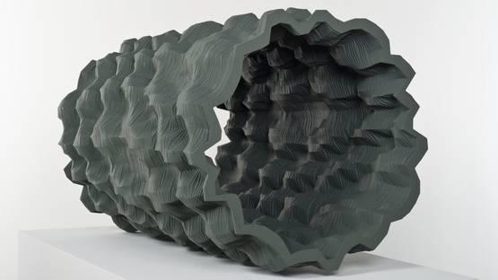 Ara Peterson - Dark Green Tube, 2010, photo credits - Broad Museum