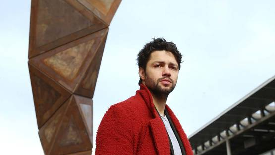 Conrad Shawcross - portrait - photo credits Alex Maguire, via gasholderlondon