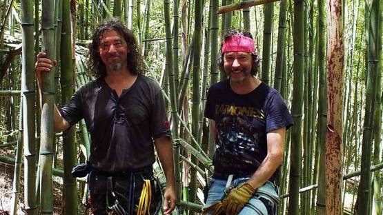Doug (left) and Mike (right) Starn - artists, photo credits Setouchi Explorer
