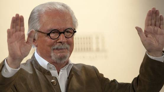 Fernando Botero - Photo of the artist - Image via huffpostcom