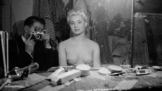 Frank Horvat, Self-portrait with stripper, Le Sphynx, Paris, 1956