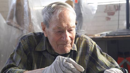 Frank Lobdell portrait, 2009 - Photo by M. Lee Fatherree.