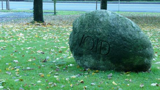 George Brecht - Void Stone, 1987, Arp Museum, Rolandseck - image via wikimediacom