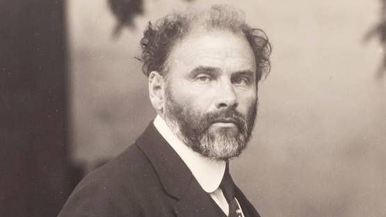 Gustav Klimt - Photograph  of the artist, 1907 - Image via Moritz Nähr