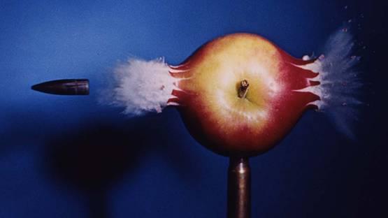 Harold Edgerton - Bullet Through Apple (detail), 1964, photo credits of the Estate of Harold Edgerton
