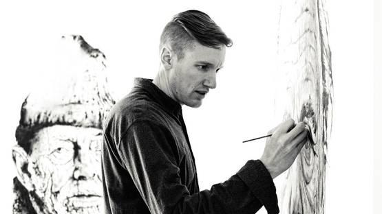 Hendrik Beikirch making art - Photo via graffuturismcom