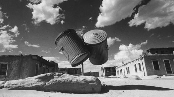 Ikko Narahara - Indian village, two garbage cans (Detail), 1972–1972, photo credits Priskapasquer