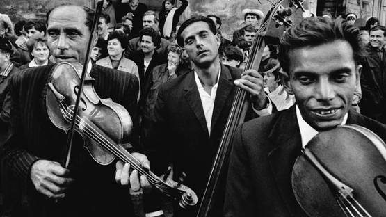 Josef Koudelka - Gypsies, 1975 (Detail) - Copyright Josef Koudelka and Magnum Photos