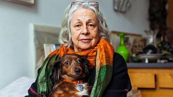 Lynda Benglis - profile