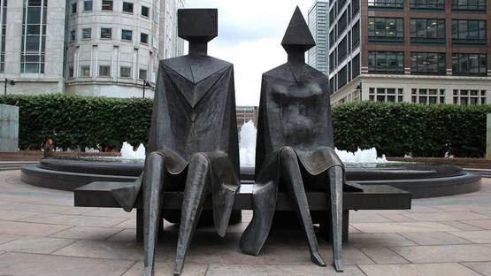 Lynn Chadwick - Couple on Seat, 1984, photo credits - Panoramio