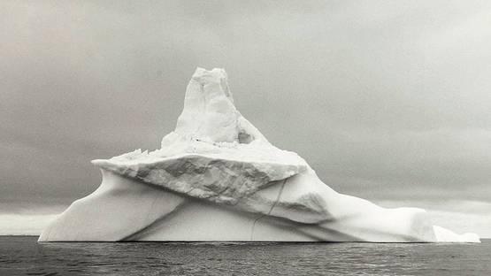 Lynn Davis - Iceberg #5 (detail)