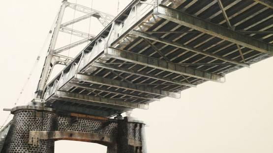 M. Irfan - Jembatan (bridge), 2013 (detail). Image via Sin Sin Fine Art