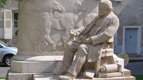 Monument Etienne-Jules Marey by Beaune