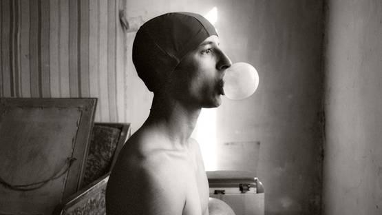 Olivier Valsecchi - Selfportrait with bubble, 2009 (detail)
