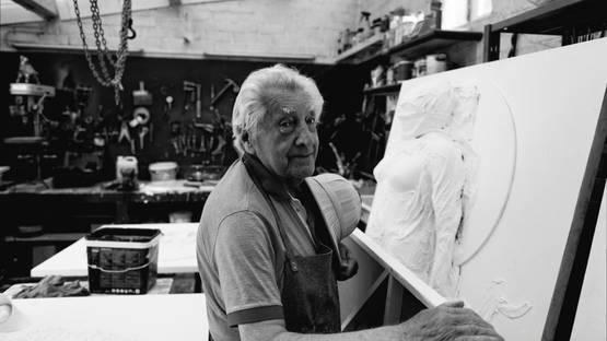 Paul Van Hoeydonck - artist portrait