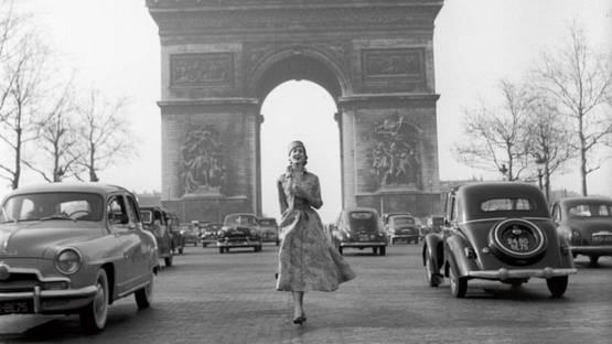 Pierre Boulat - Givenchy on the Champs-Elysées, Paris, 1953 (detail)
