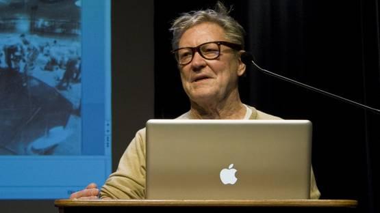 Robert Whitman - artist, photo credits - Wikipedia