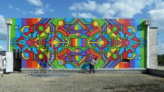 Seize Happywallmaker - street art, photo via artpeoplegallery com