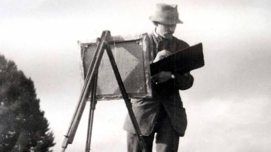 Sir Kyffin Williams at work (detail), photo credits Anglesey County Council