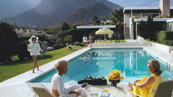 Slim Aarons - Poolside Gossip (detail), 1970 - image courtesy of Photographers Gallery