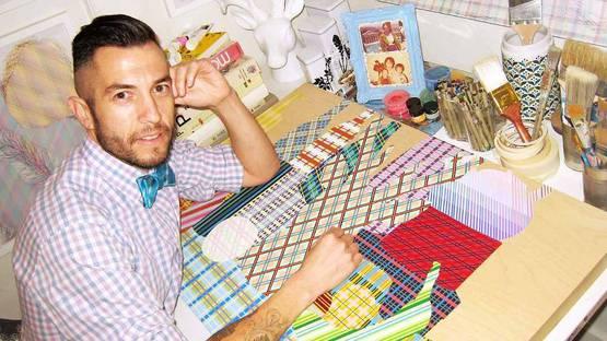 Steven Vasquez Lopez in his studio - photo credits of the artist