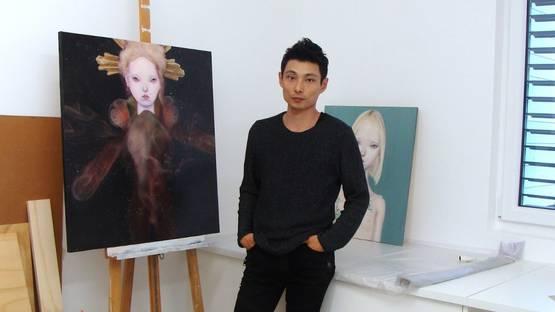 Teiji Hayama in his studio, photo via ohsosurreal com