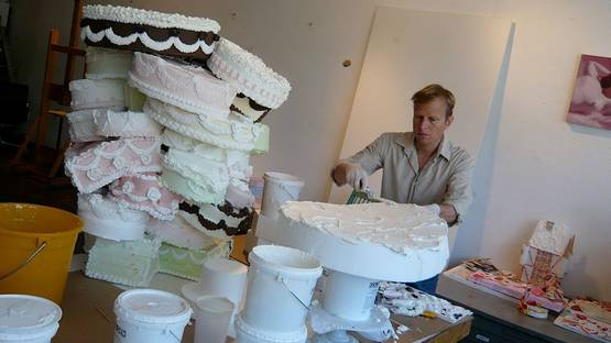 Will Cotton - Artist in his studio - Photo Credits Kid In