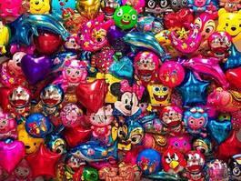Liu Bolin - Hiding in the City-Balloon, 2012