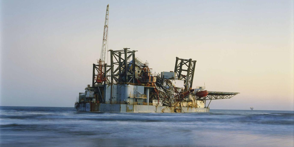 Mitch Epstein - Ocean Warwick Oil Platform, Dauphin Island, Alabama 2005 (Detail)