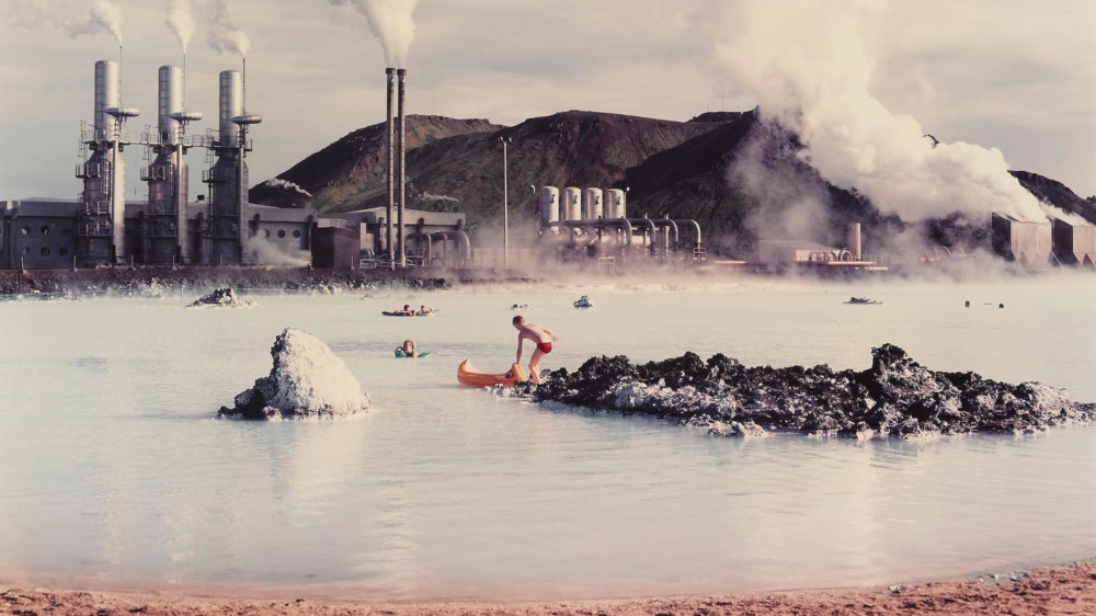 Virginia Beahan & Laura Mcphee - The Blue Lagoon, Svartsengi Goethermal Pumping Station, Iceland, 1988 (Detail)
