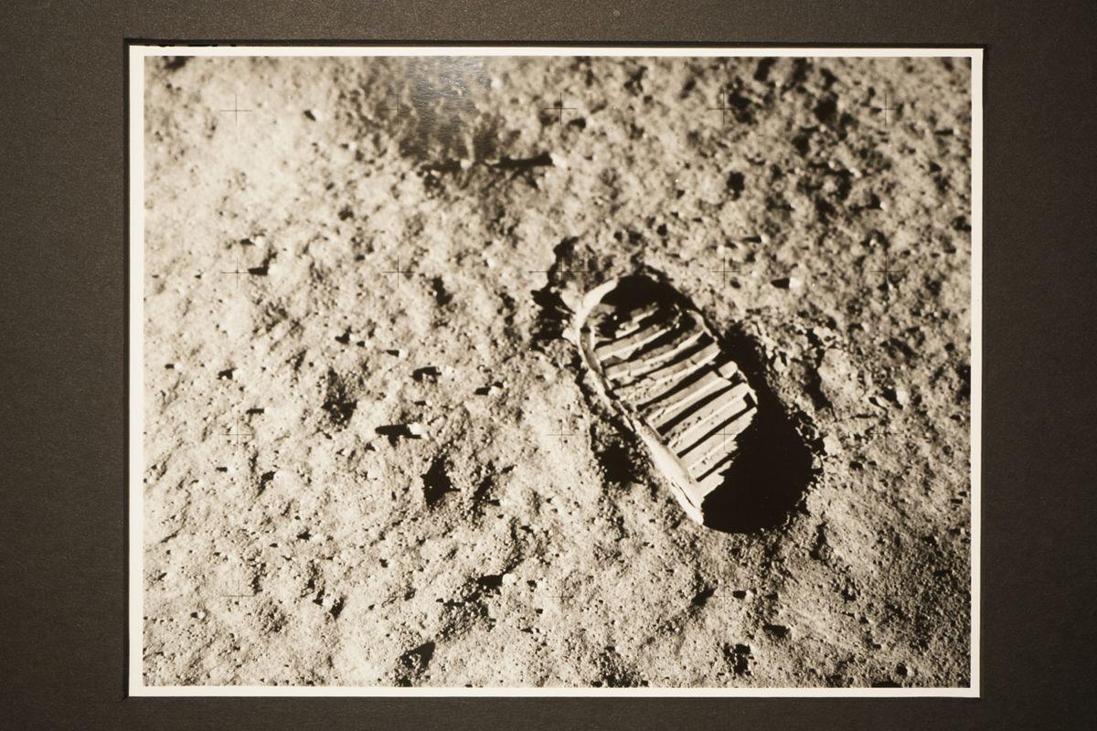 Armstrong, Footprint on the Moon, Apollo 11