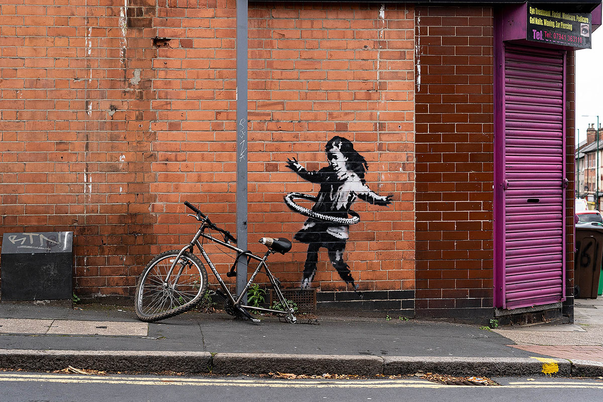 Banksy - Hula Girl Nottingham