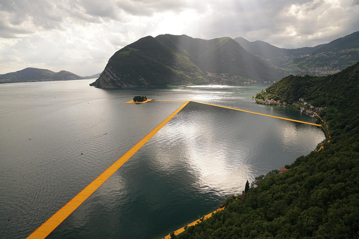 Christo-and-Jeanne-Claude-The-Floating-Piers-Lake-Iseo-Italy-2014-16-Photo-Wolfgang-Volz-©-2016-Christo1