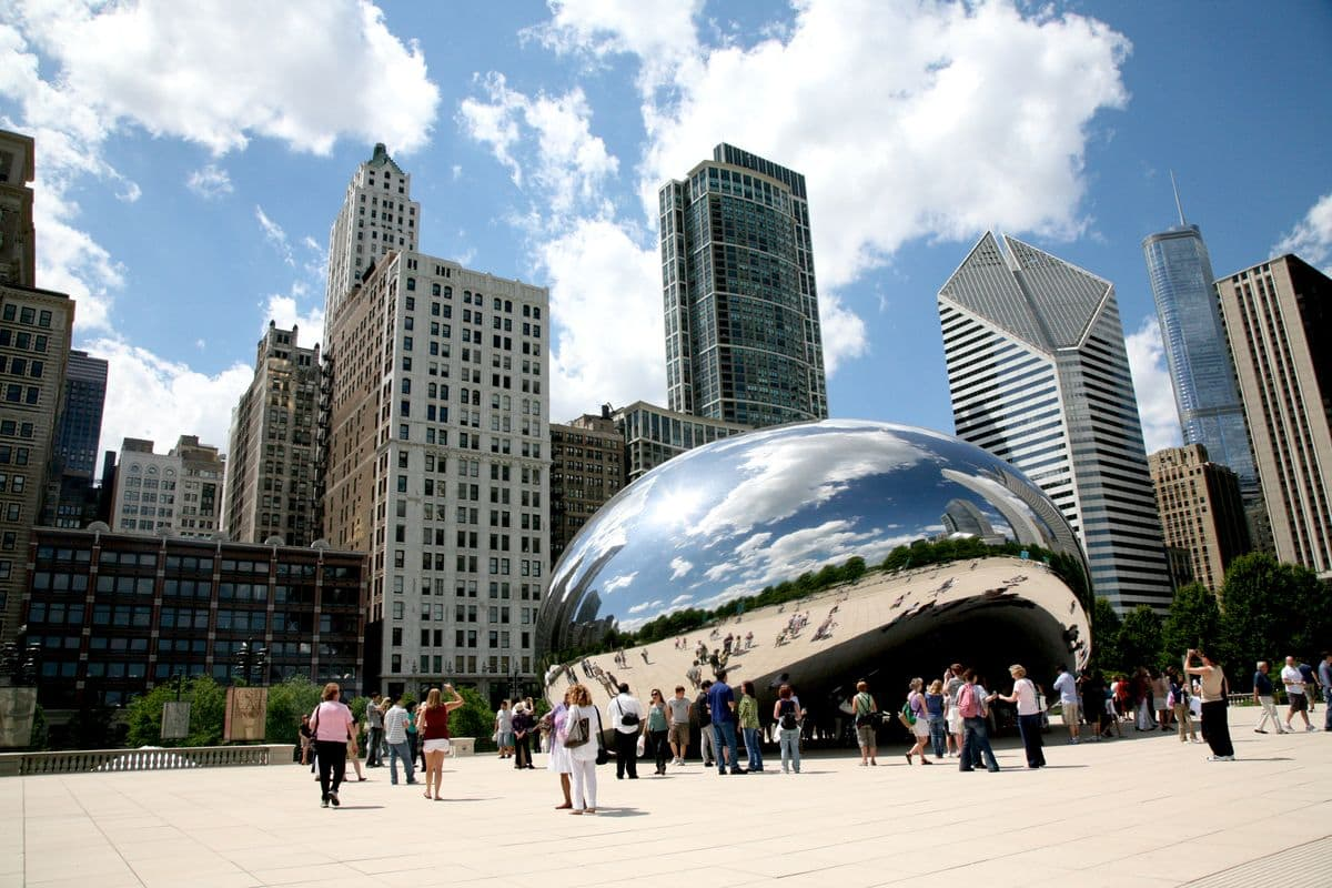 Cloud Gate by Anish Kapoor, Chicago (ILL), Millennium Park via Vincent Desjardins
