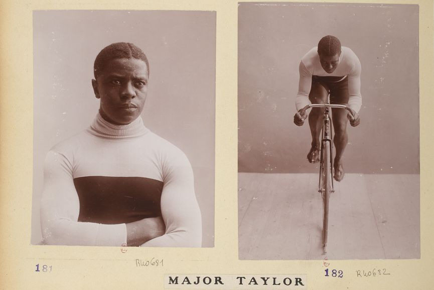 Digital slideshow of 13 images from album Collection Jules Beau.