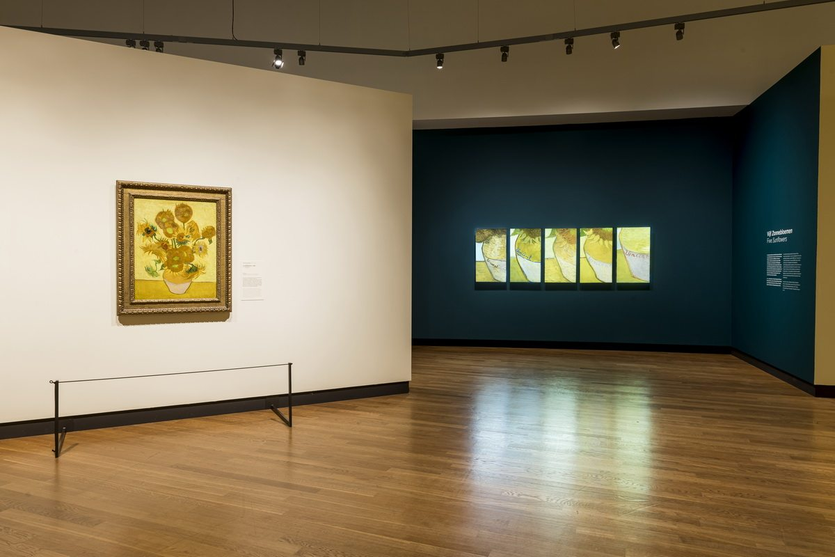 Exhibition Van Gogh and the Sunflowers Installation views