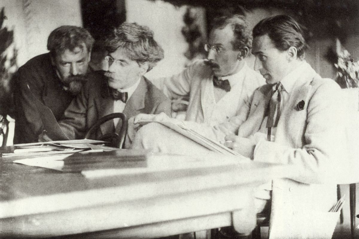 Frank Eugene- Eugene, Stieglitz, Kühn and Steichen Admiring the Work of Eugene, 1907, platinum print, Yale Collection of American Literature