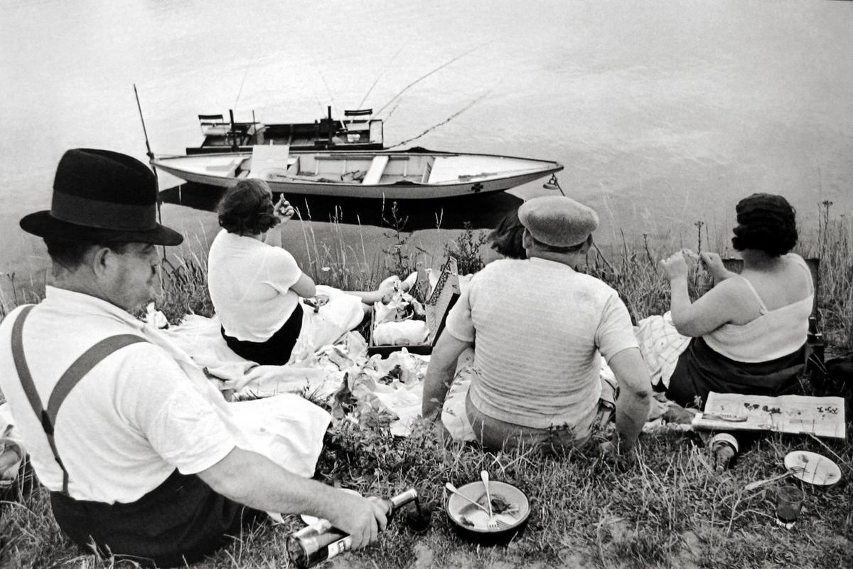 Henri Cartier-Bresson - On the Banks of the Marne, Paris, 1938