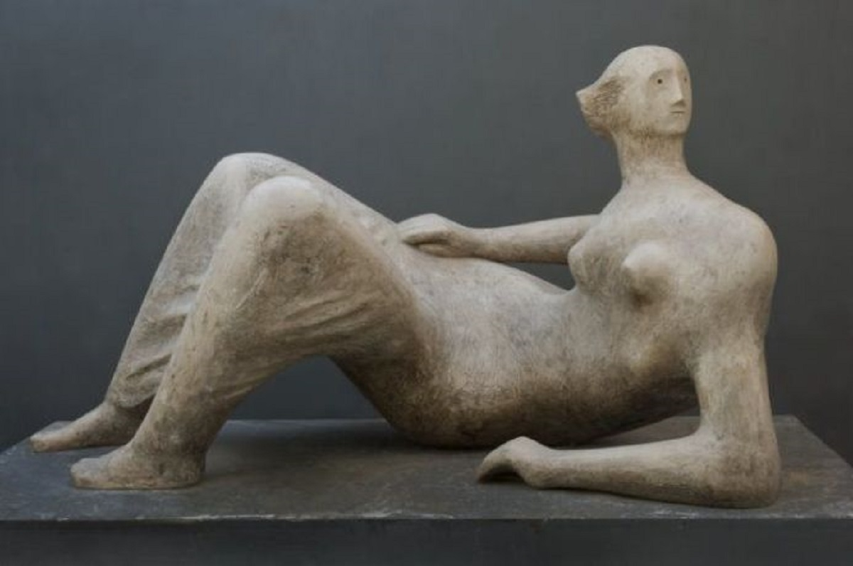 Henry Moore-Reclining Woman, 1979