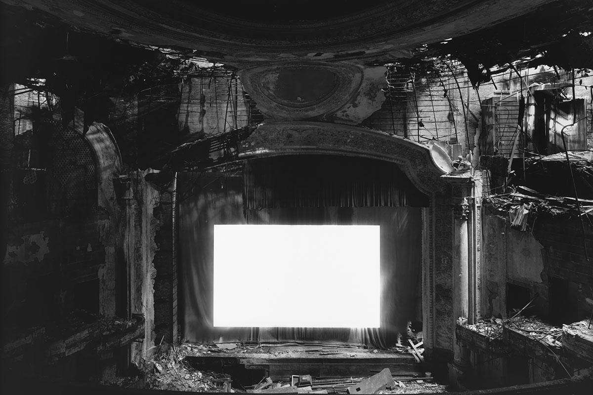 Hiroshi Sugimoto - Paramount Theater, Newark, 2015