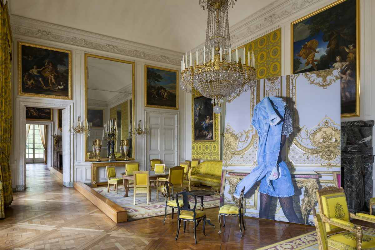 Installation View of the exhibition Versailles - Visible Invisible___
