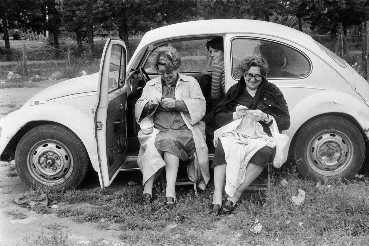 Letizia Battaglia, Lunedì di Pasquetta a Piano Battaglia, 1974