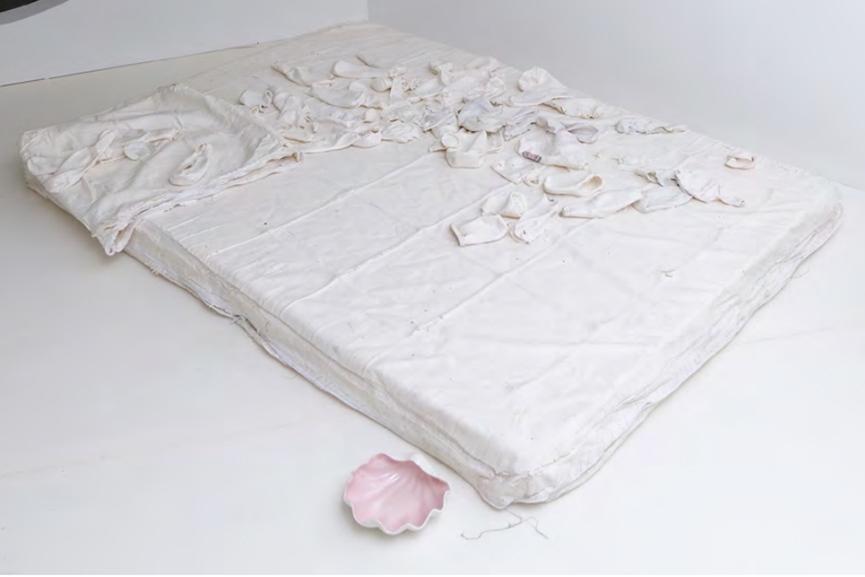 Melanie Matranga - [FANFU], me, you, others, 2015, Fabric, silicone, foam mattress
