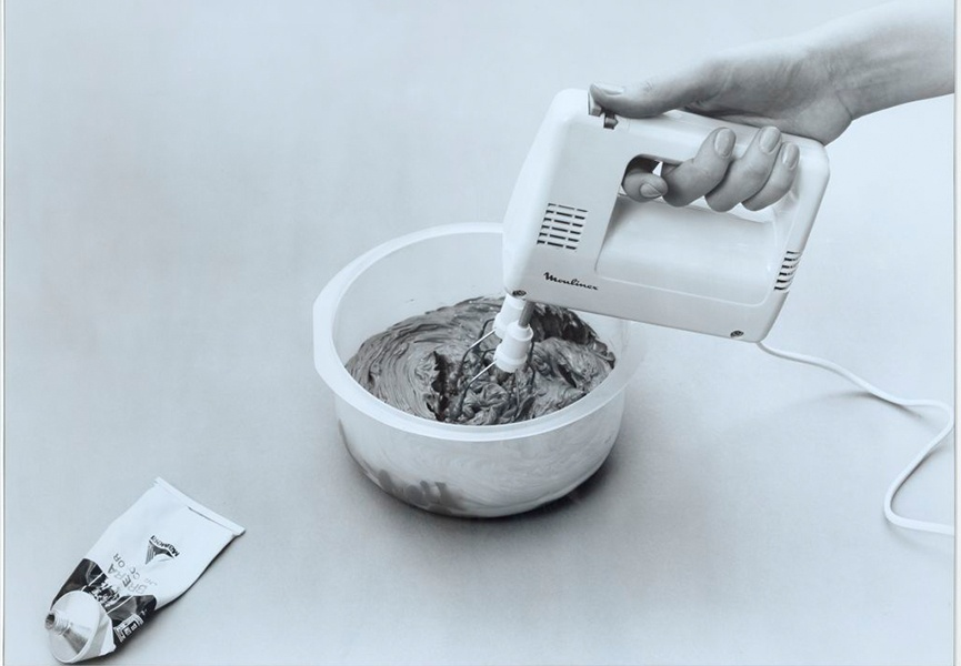 Rudolf Stingel Untitled (Instructions) 1990 Photograph - Courtesy of the artist and  Gagosian Gallery