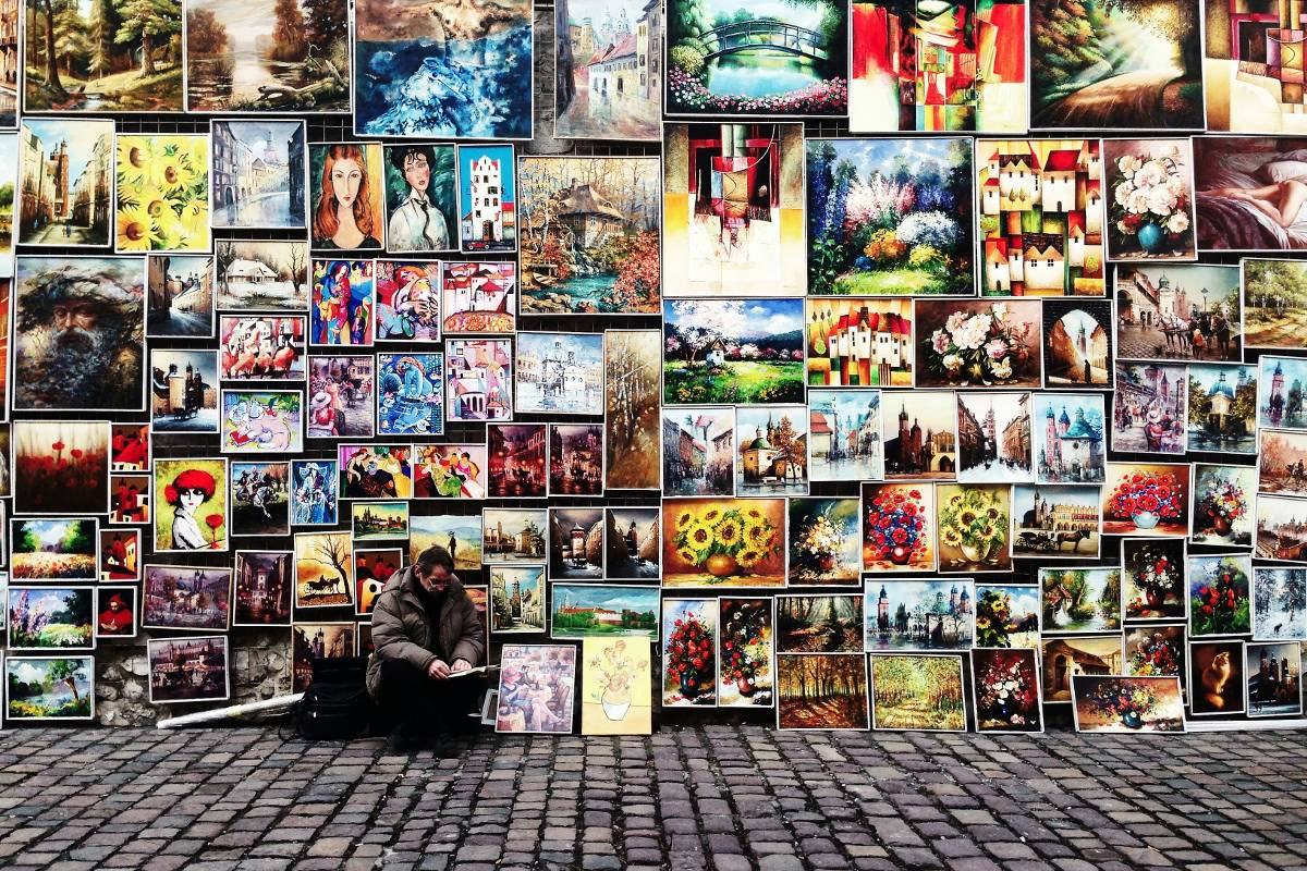 Selling Artworks on the Street - Image via goinswritercom